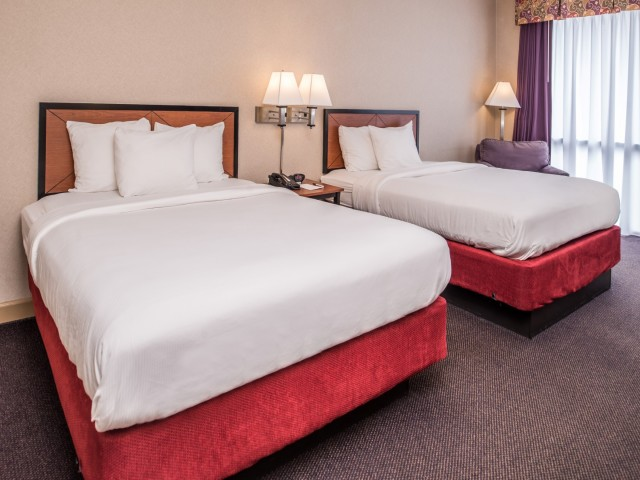 The Hawthorne Inn & Conference Center: 2 Queen Beds