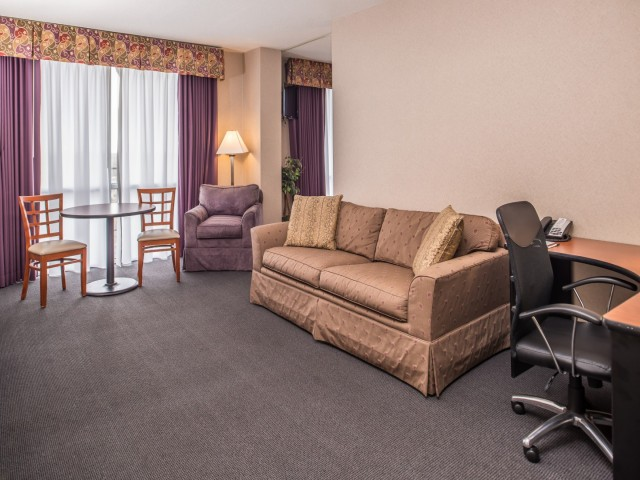The Hawthorne Inn & Conference Center - Spacious rooms