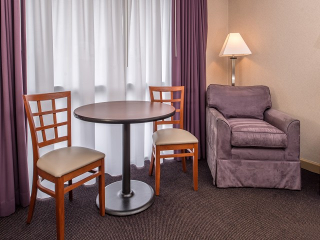 The Hawthorne Inn & Conference Center - Bedroom Amenities