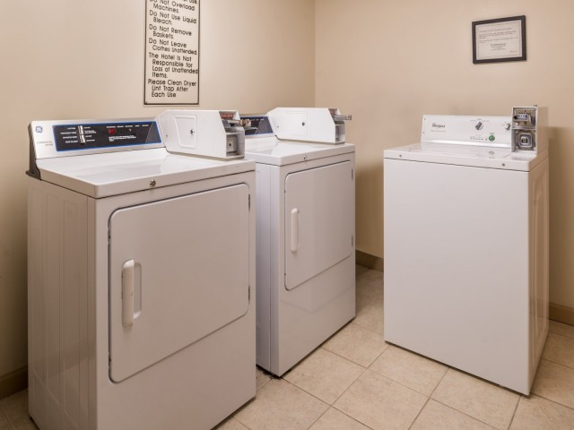 The Hawthorne Inn & Conference Center - Washing Machines